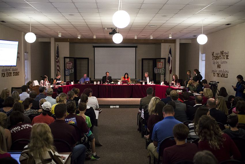 Admirable In Dripping Springs Parents Weigh In On Bathroom Debate Download Free Architecture Designs Scobabritishbridgeorg