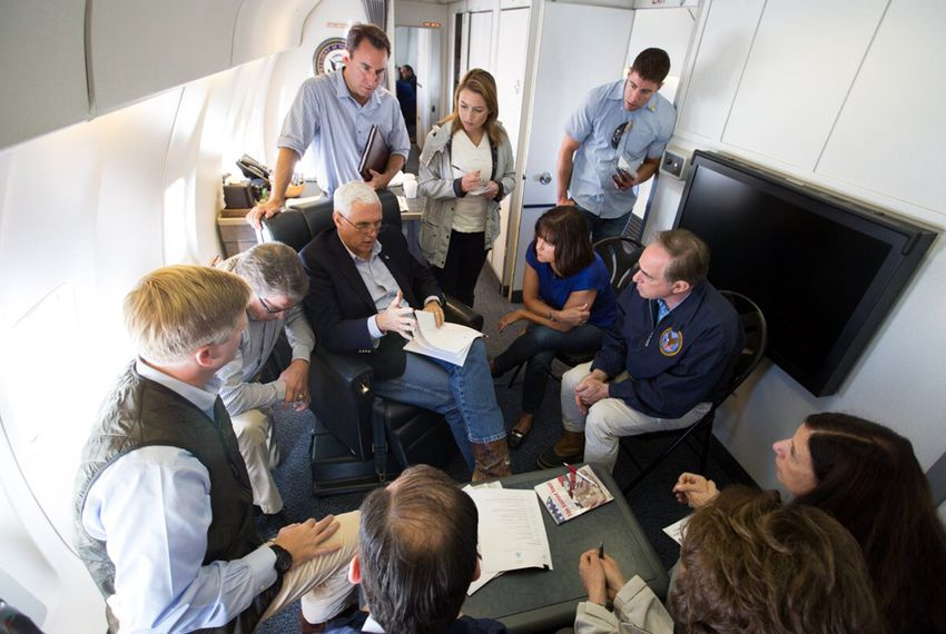 Vice President Mike Pence on board Air Force 2 en route to survey damage from Harvey with Cabinet Secretaries Rick Perry (to Pence's immediate right),Elaine Chao,David Shulkin, Alexander AcostaandActing DHS SecretaryElaineDuke.