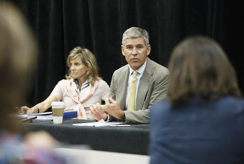 The University of Texas System's Houston Advisory Task Force, Carin Barth, left, and Paul Hobby, right, during a press confe…