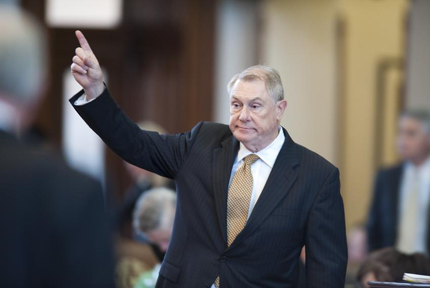 State Rep. Wayne Smith, R-Baytown, votes to table an amendment to HB2694, the TCEQ sunset legislation on April 19, 2011.