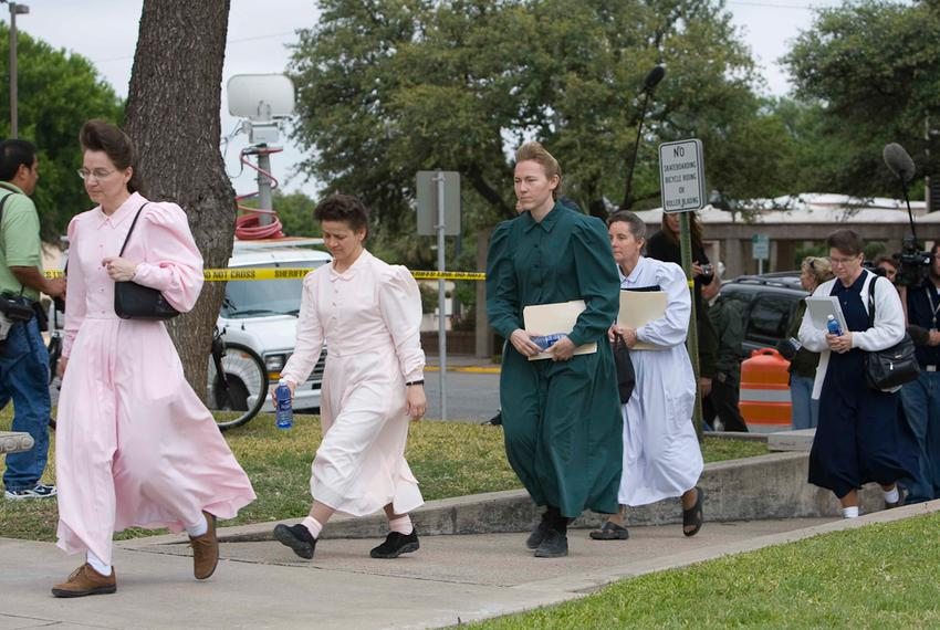 FLDS members arriving at the Tom Green County Courthouse in San Angelo, Texas for the first day of court hearings on the cus…