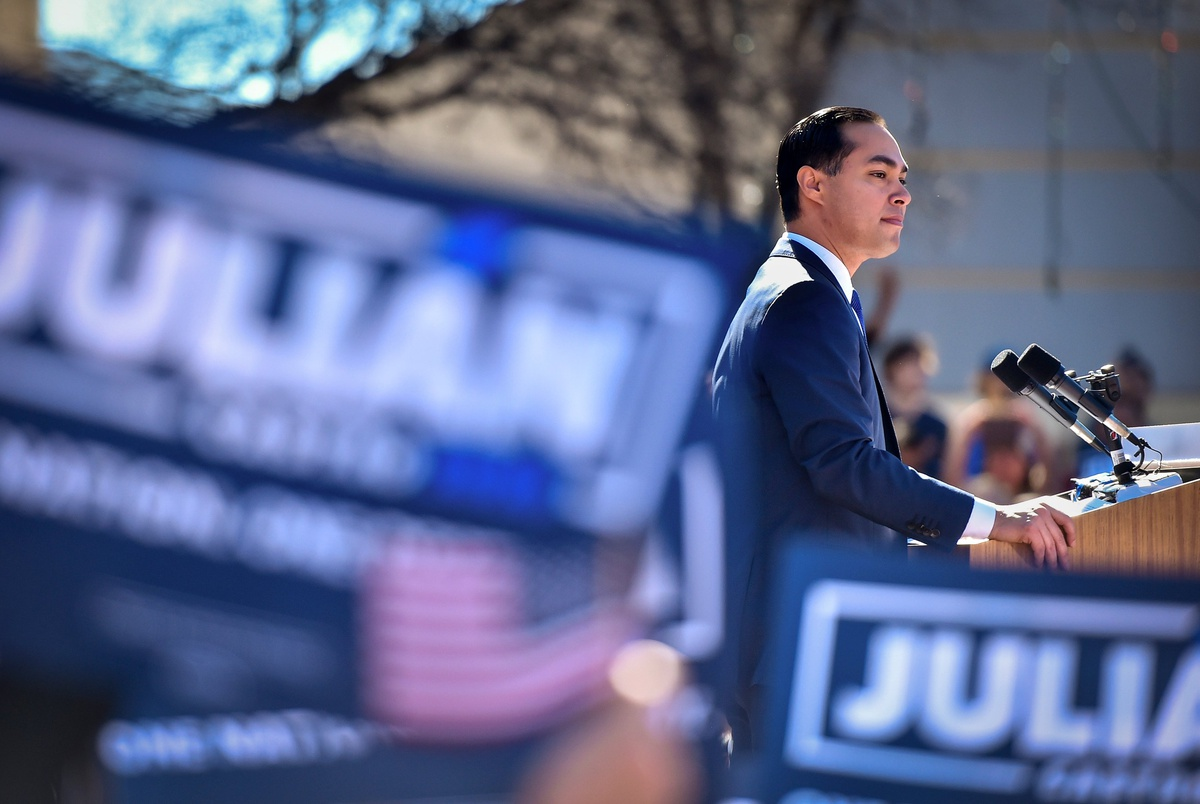 Running while brown: How Julián Castro is navigating white presiden...