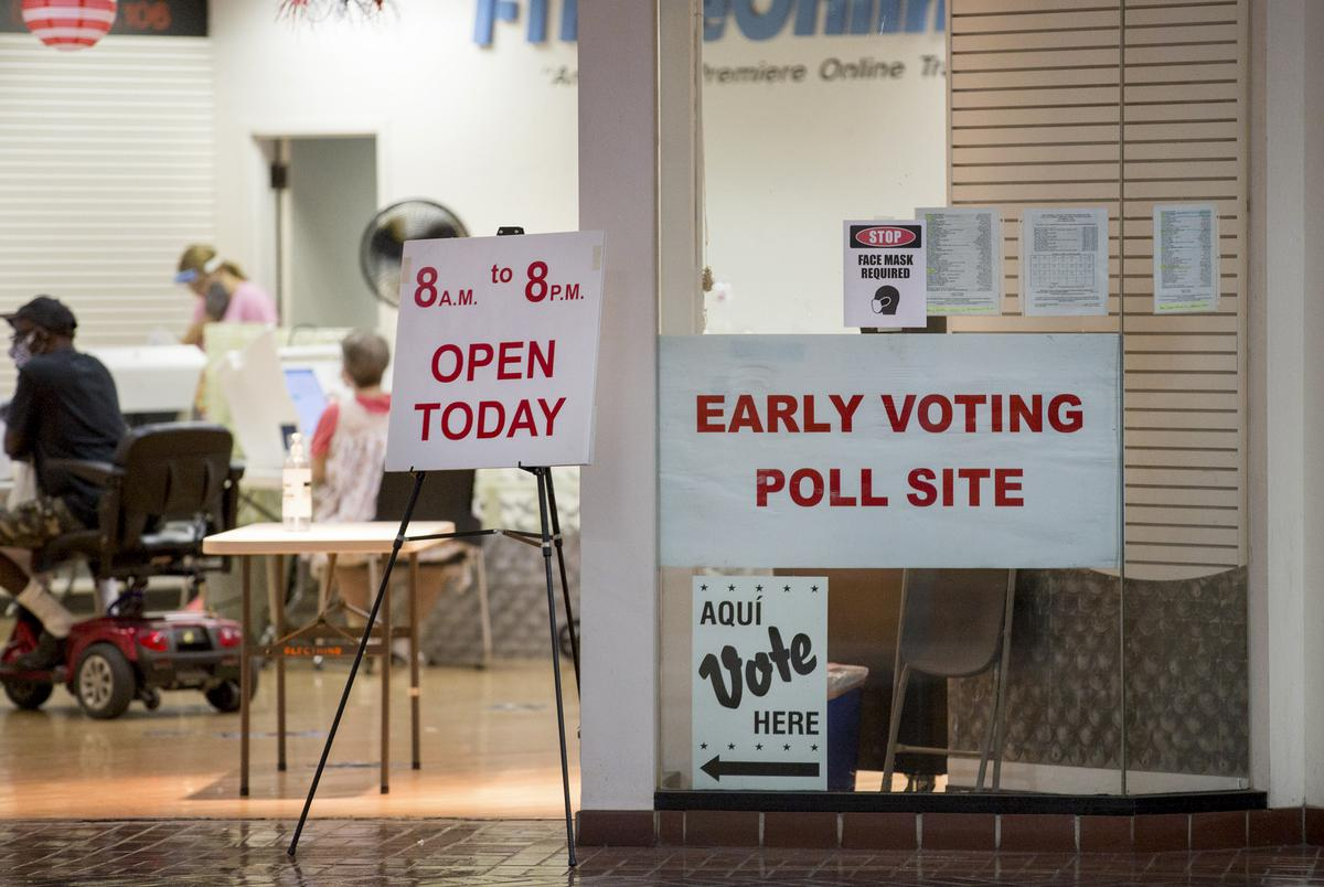 Wonderland Mall is one of several polling locations in Bexar County. Oct. 20, 2020.