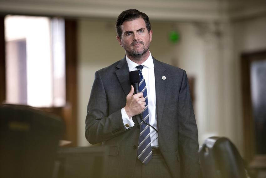 State Sen. Brandon Creighton, R-Conroe, speaks in defense of Committee Substitute Senate Bill 1663, relating to the remova...