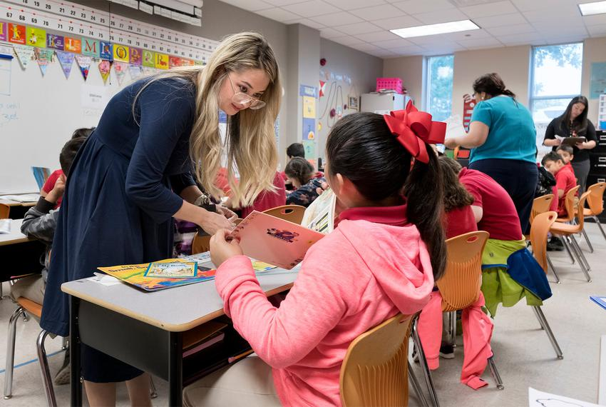 Corina Pannabecker (cq) teaches first grade at Ogden Elementary in San Antonio. Bexar County's school districts are among ...