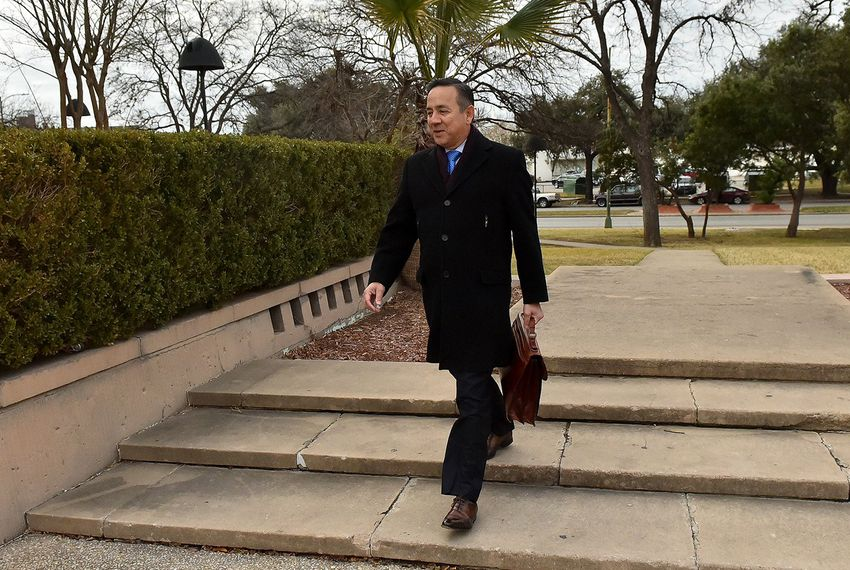 State Sen. Carlos Uresti, D-San Antonio, arrives at the federal courthouse in San Antonio on Wednesday, Jan. 17, 2017.