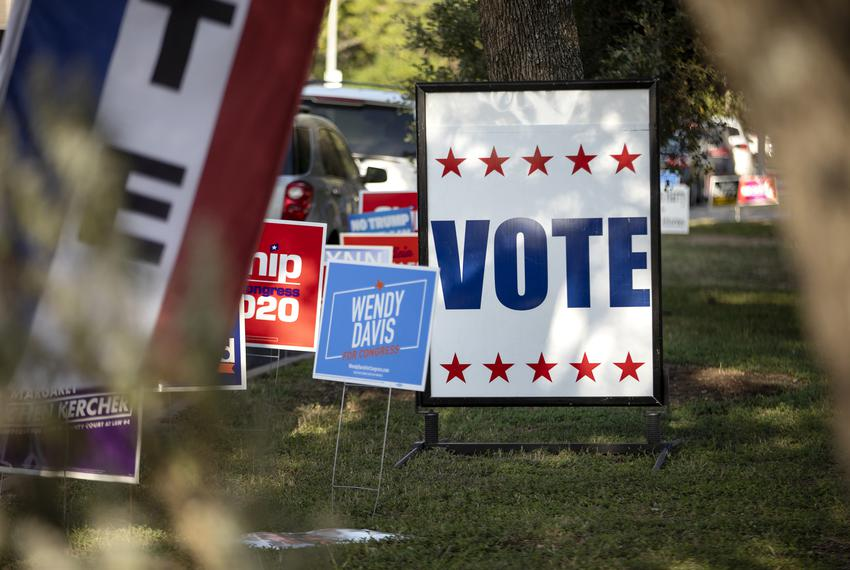 A voting sign at the South Austin Recreation Center polling site on Oct. 14, 2020.