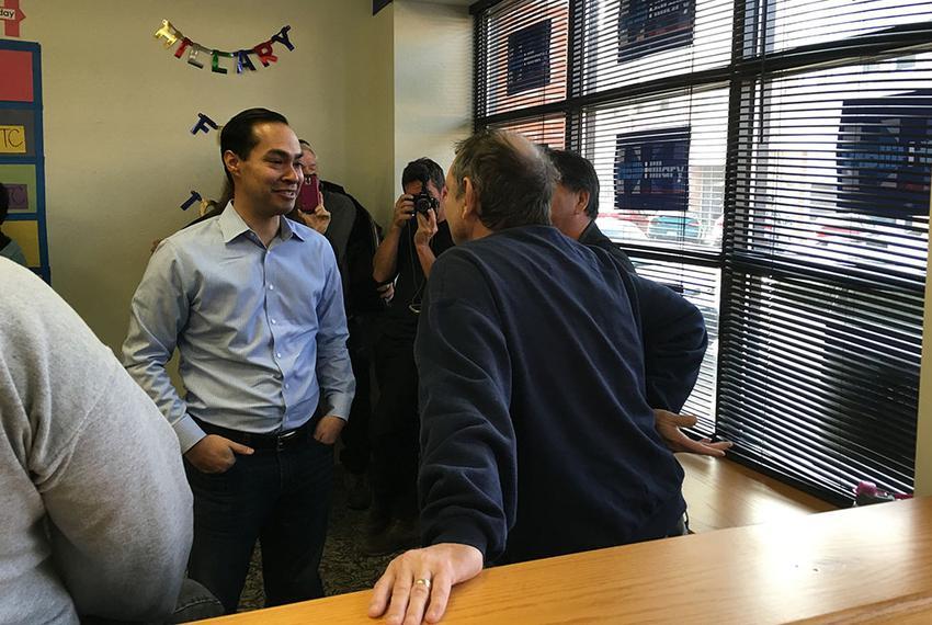 Julián Castro visits a Hillary Clinton campaign field office in Ottumwa, Iowa on Sunday, Jan. 24, 2016.