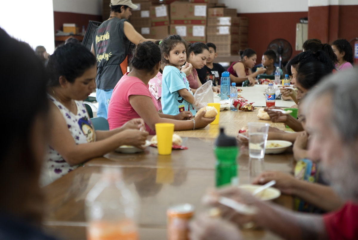 Asylum-seeking migrants pushed farther south into Mexico, left to f...