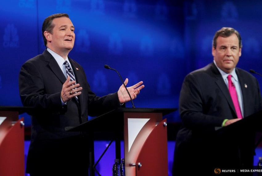 Texas Sen. Ted Cruz and New Jersey Governor Chris Christie at the third GOP presidential debate in Boulder, Colorado, on Oct…