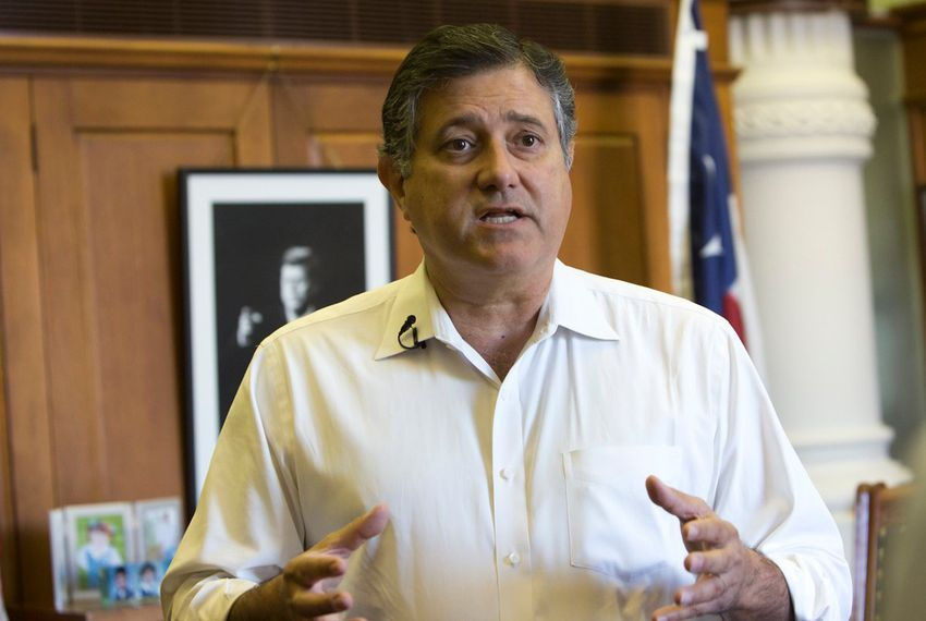 Rep. Richard Peña Raymond, D-Laredo, speaks to media at his Capitol office in 2016.
