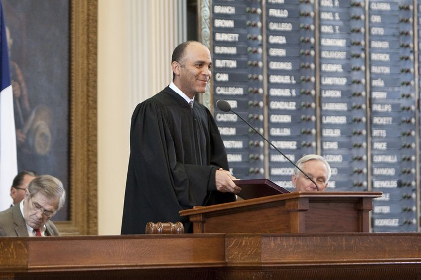 Chief Justice Wallace Jefferson gives the State of the Judiciary in the House Chamber on February 23, 2011.