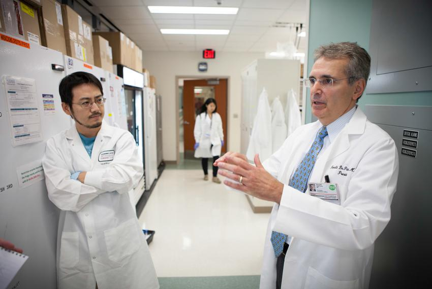 Ronald DePinho, president of The University of Texas MD Anderson Cancer Center, visiting labs on the south campus in Houst...
