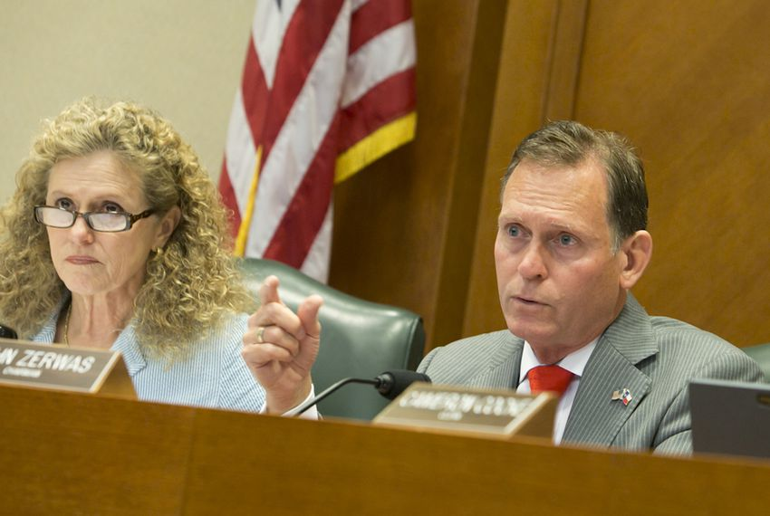 Texas House Higher Education Committee Chairman John Zerwas (right), R-Richmond, and Vice Chairwoman Donna Howard, D-Austin, take part in a May 10, 2016, committee hearing.