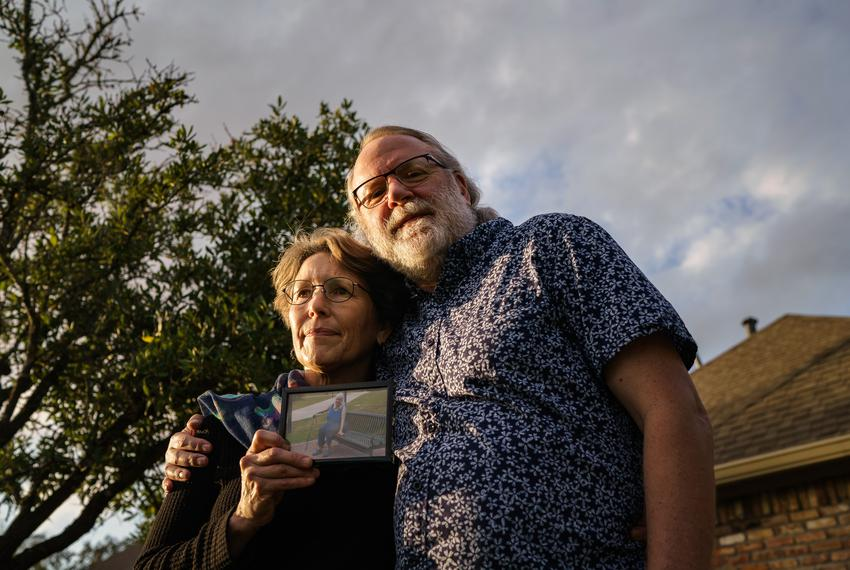 Chris Mabe, left, with her husband Jim, holding a photo of her 81-year-old mother, Jewel Bergan-Brumbaugh, who died this Mar…