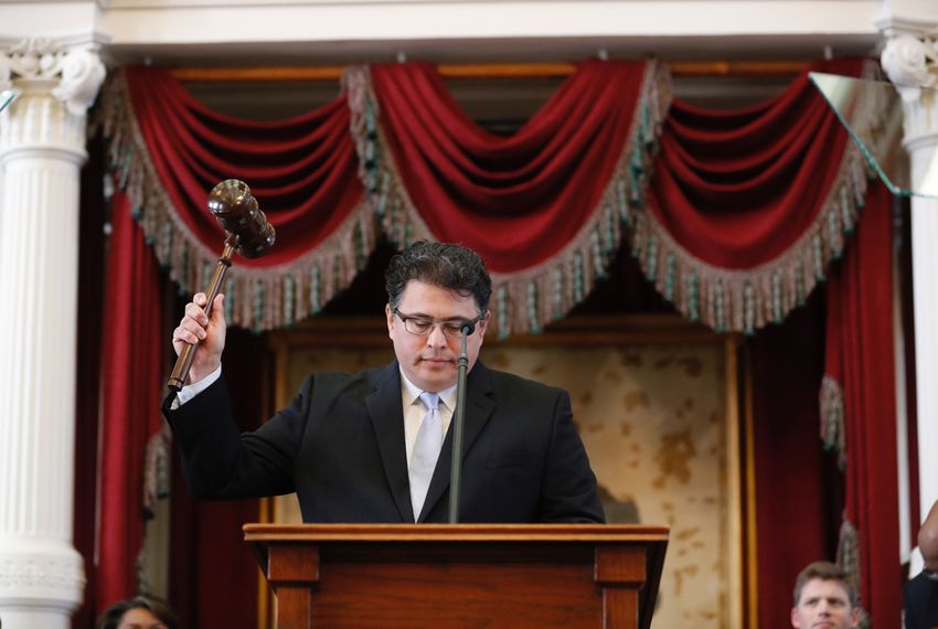 Texas Secretary of State Rolando Pablos gavels in the 85th Legislature on January 10, 2017.