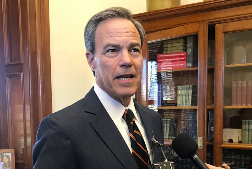 Texas House Speaker Joe Straus, a San Antonio Republican, announced Wednesday he will not run for re-election.