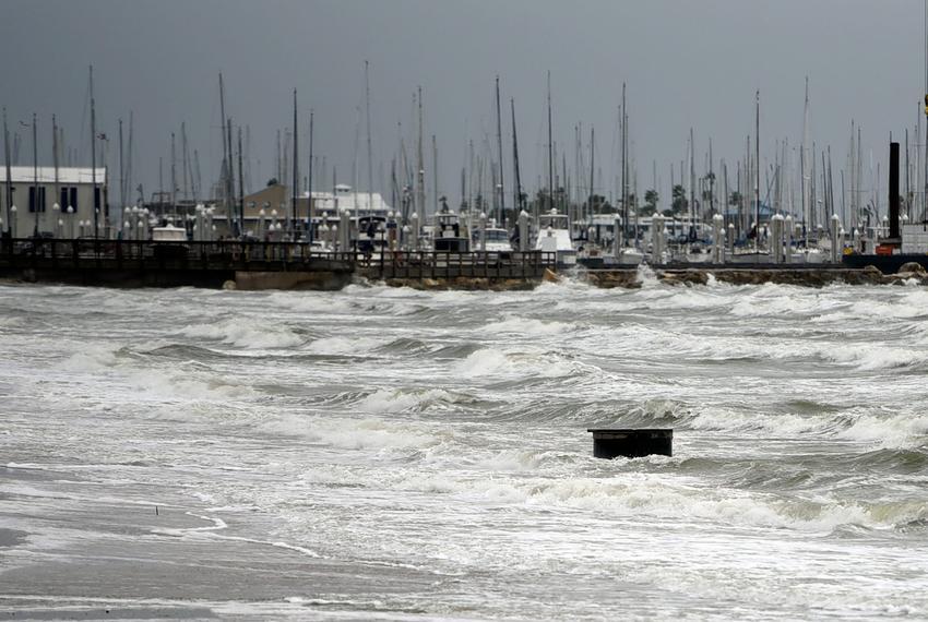 Hurricane Nicholas live updates: officials report minor damage in Texas |  The Texas Tribune