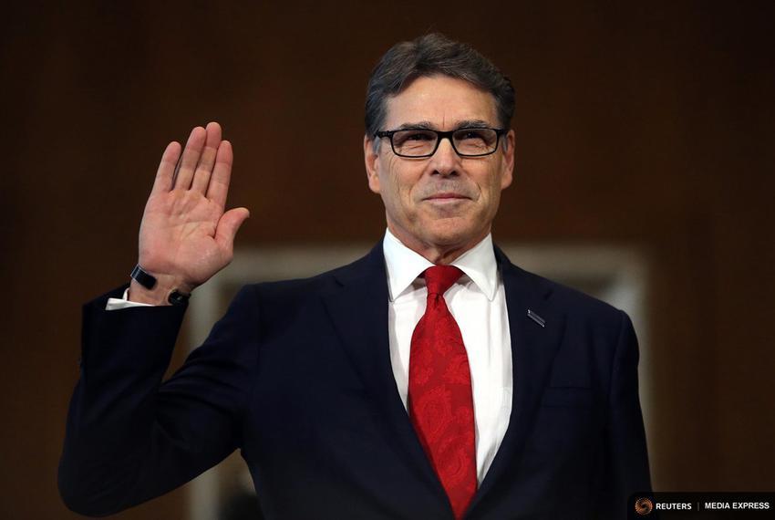 Former Gov. Perry is sworn in before testifying at a Senate Energy and Natural Resources Committee hearing on his nomination…
