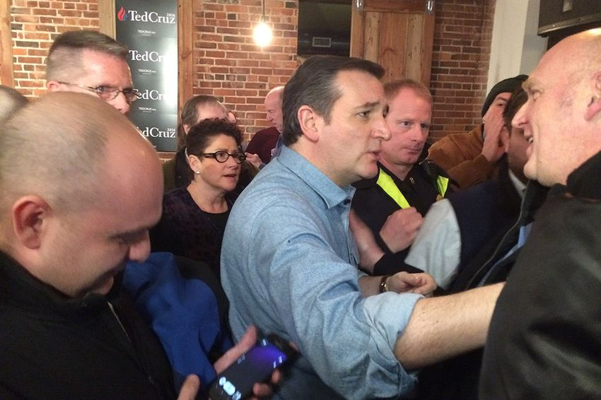 Presidential hopeful U.S. Sen. Ted Cruz talks to prospective voters in Milford, New Hampshire on Jan. 18, 2016.
