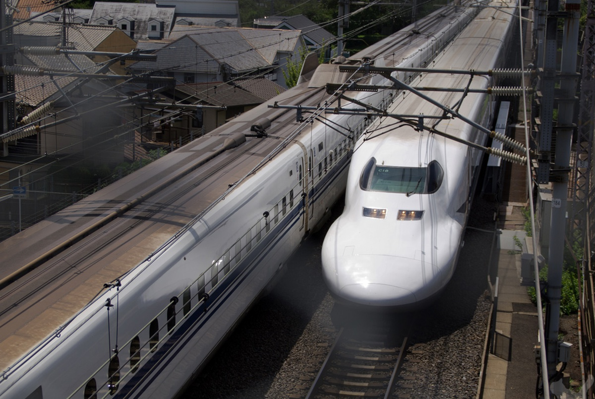 engineering connections bullet train - HD1200×804