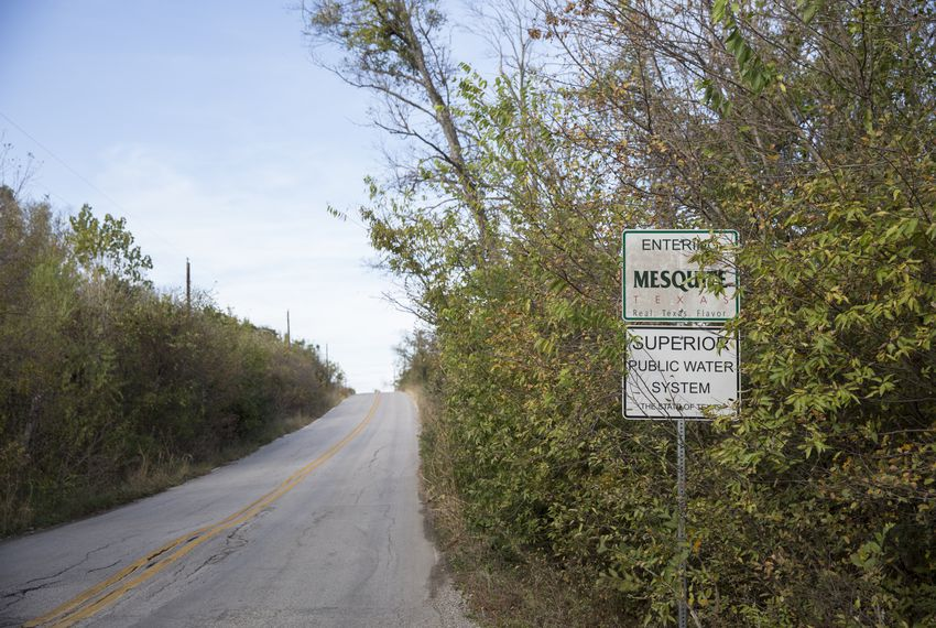 A road sign outside of Mesquite city limits in Dallas County. Mesquite has rushed to annex land outside its city limits before Dec. 1, 2017, when a new law would require some cities to get the consent of residents before annexing their property.