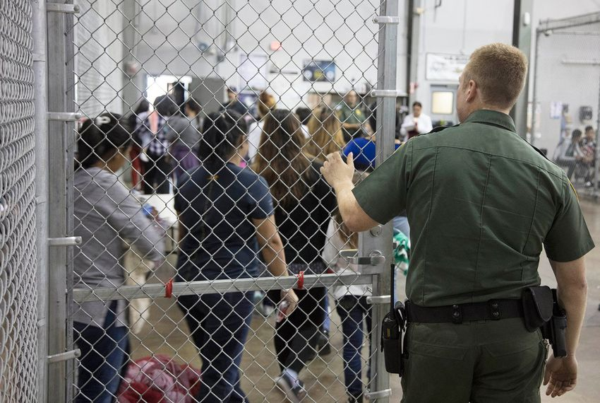 A report released by the Government Accountability Office Tuesday said that federal agencies did not have systems in place to track children in their care who had been separated from their parents.