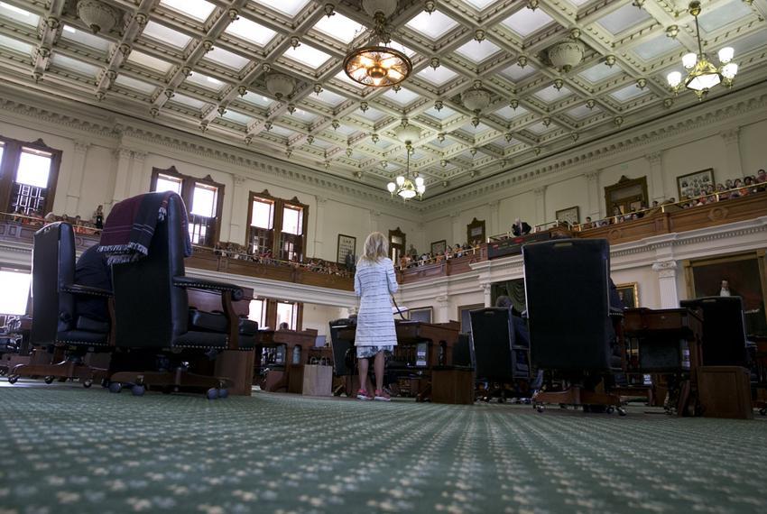 Sen. Wendy davis begins her planned 13-hour filibuster of SB 5 on June 25, 2013.