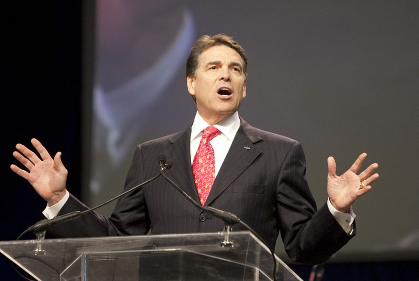 "Governor Rick Perry closes ""The Response"" with a short prayer and thank you for people attending the prayer rally in Houston on August 6, 2011."