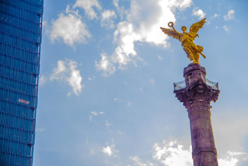 One of the most representative symbols of México City, the Angel of Independence stands in Paseo de la Reforma.