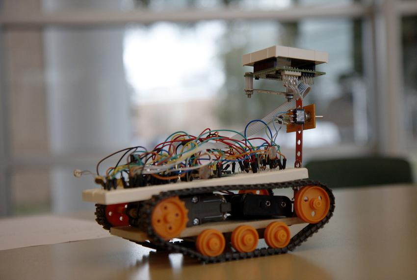 The University Interscholastic League announced a new pilot robotics program for high school students to encourage explorati…