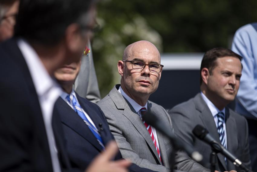 House Speaker Dennis Bonnen at a press conference on Senate Bill 2 at Wallyís Burger Express in Austin on June 12, 2019.