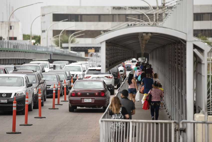 Vehicular and pedestrian traffic on the international border crossing that connects Laredo with Nuevo Laredo, Tamaulipas on March 30, 2019.