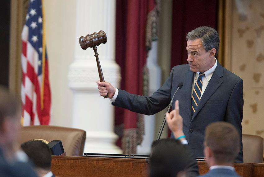 House Speaker Joe Straus gavels the vote on an amendment to HB 100 on April 19, 2017. The bill is being debated with several…
