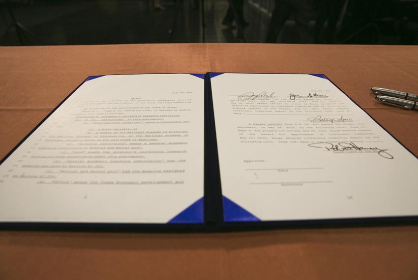 bills to be signed by Gov. Greg Abbott on June 4, 2015