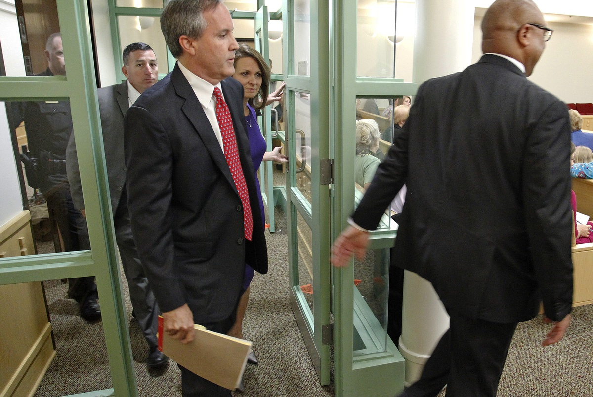 Prosecutors in Texas Attorney General Ken Paxton's criminal case co...