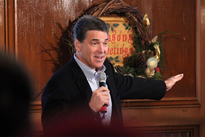 Rick Perry Campaigns in Maquoketa, Iowa
