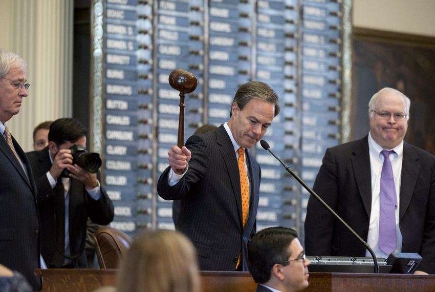 House Speaker Joe Straus gavels out the 84th session of the Texas Legislature on June 1, 2015.