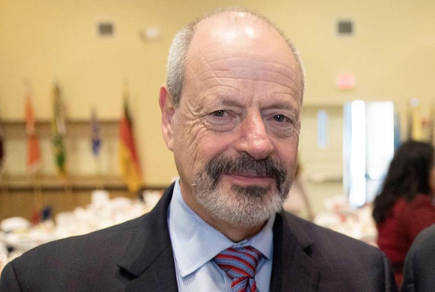 Former El paso Mayor Oscar Leeser.
