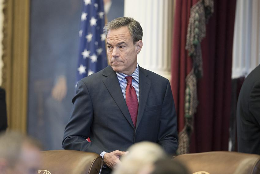 House Speaker Joe Straus keeps watch on the chamber during debate on Senate Bill 6 on municipal annexation on Aug. 11, 2017.