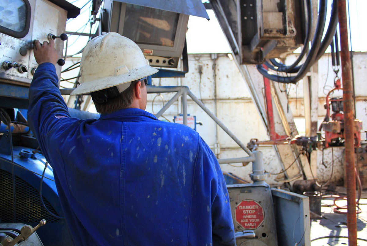 Halliburton to Pay $18 3 Million in Back Oilfield Wages