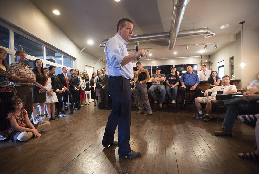 U.S. Sen. Ted Cruz meets with Austin-area home schoolers on August 4, 2018.