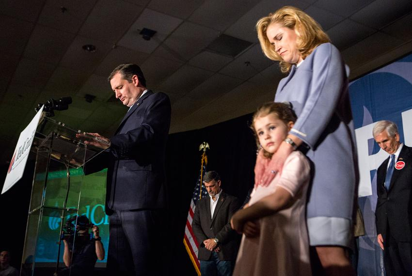 Senator Ted Cruz takes a moment of silence to respect the late Justice Antonin Scalia during his event in Columbia followi...