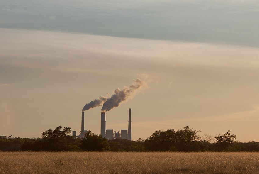 Supreme court 39 s air pollution ruling goes against texas for Pollution fighting plants