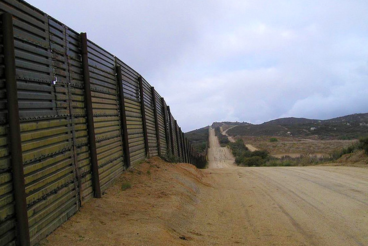Texans in Congress offer scant support for full border wall