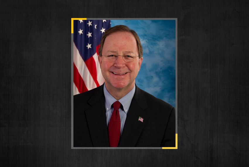 U.S. Rep. Bill Flores, R-Bryan, announced Wednesday morning that he is retiring.