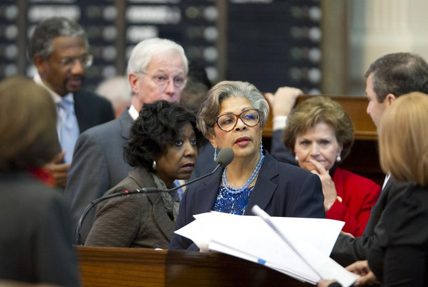 Rep. Senfronia Thompson (c), D-Houston, asks a question of Rep. David Simpson in a debate about the House rules on January 9…