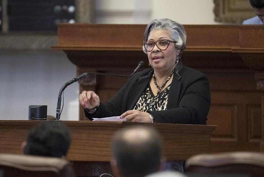 State Rep. Senfronia Thompson, D-Houston, gives a personal privilege speech May 4, 2017 on the House floor regarding her bil…