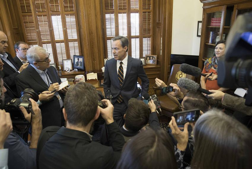 Texas House Speaker Joe Straus announces he won't seek reelection in 2018 at a press conference at the state Capitol on Oct.…