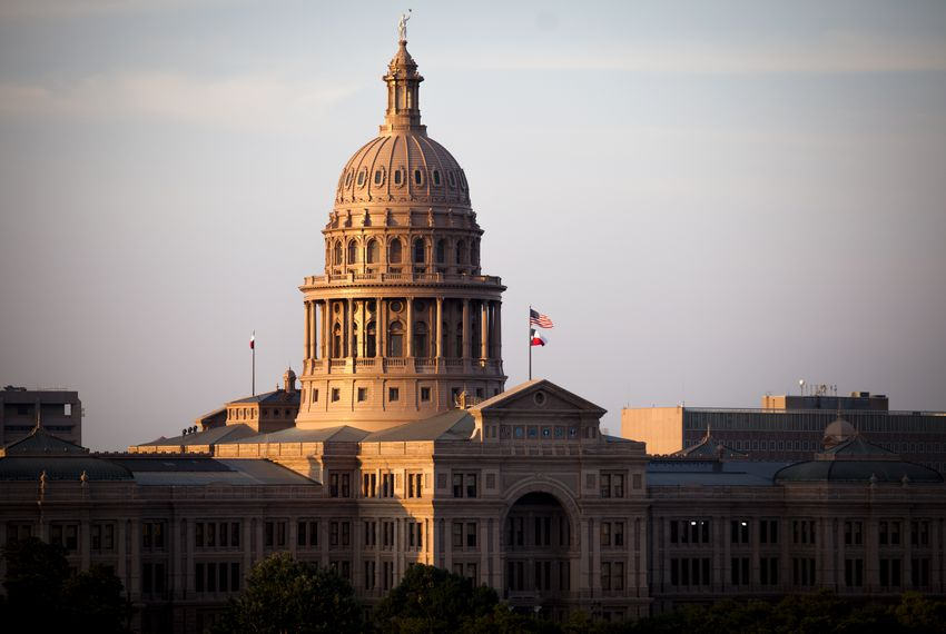 The Texas Department of State Health Services alerted members of the Legislature on Friday that lawmakers might have been exposed to whooping cough on Thursday.